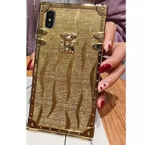 Gold Striped I Phone XR case